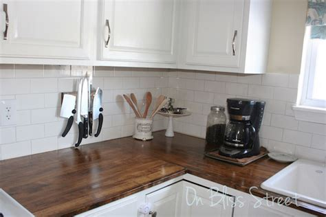 Wood Kitchen Countertops How To Decorate Your Living Room In Minimalist Style Beautiful Decor Ideas With Brown Paint Mirrors House Of Fraser Modern Furniture U.s.a Color Gallery Cafe Tallinn Violet