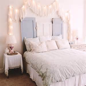 Gingham Lamp by 35 Best Shabby Chic Bedroom Design And Decor Ideas For 2017