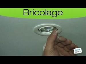 Installer Spot Plafond Existant : comment installer un spot dans un faux plafond youtube ~ Dailycaller-alerts.com Idées de Décoration