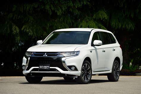Mitsubishi Outlander Price Review Pics Specs
