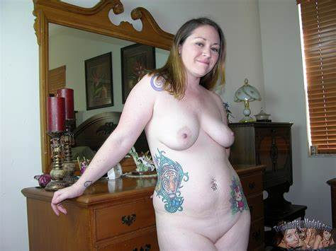 Thick Tattoed Hottie Getting Cousin