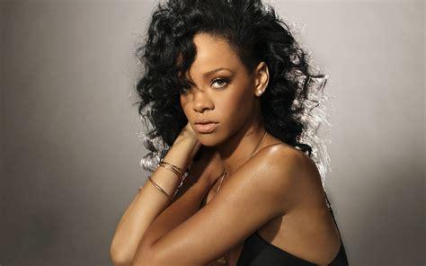 Rihanna (jan 04 2013 173714)  Picture Gallery