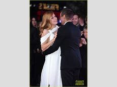 Full Sized Photo of amy adams jeremy renner arrival