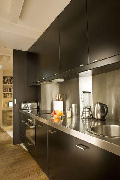 cuisine noir et inox 7 cuisines noires qui vont vous faire aimer le noir côté