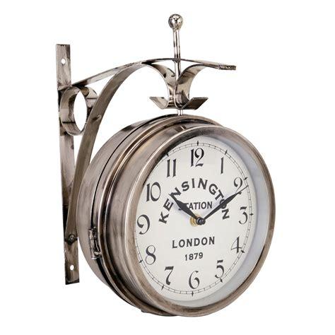 nania siege auto horloge gare