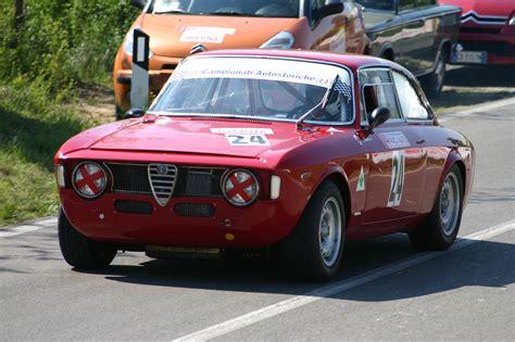 1967 Alfa Romeo Giulia Sprint Gta Wallpaper Wallpaper