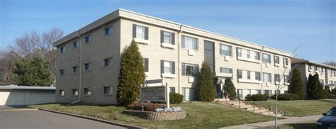 roseville apartments with garages mollner properties