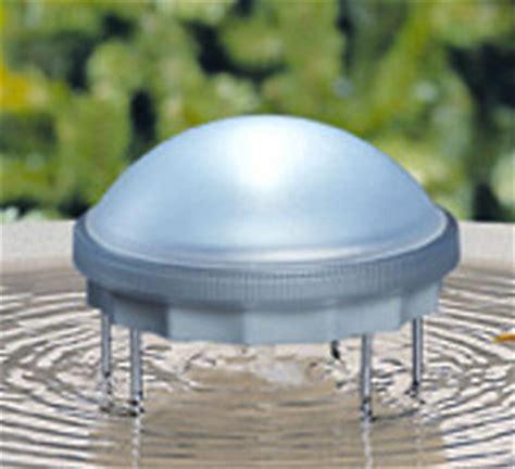 solar powered water wiggler for bird bath keeps water