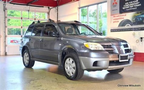 Mitsubishi Glenview by Sell Used 2005 Mitsubishi Outlander Ls In Glenview