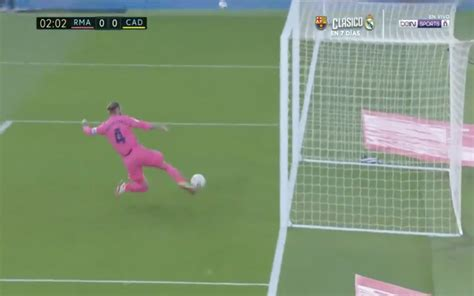 Video: Ramos insane goal-line stop for Real Madrid vs Cadiz
