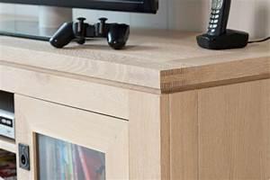 Meuble Tv En Chene : meuble tv bas moderne boston en ch ne blanchi ~ Teatrodelosmanantiales.com Idées de Décoration