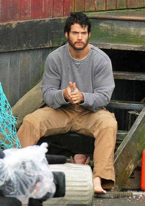 New 'Man of Steel' Images Reveal Bearded Clark Kent, Amy ...