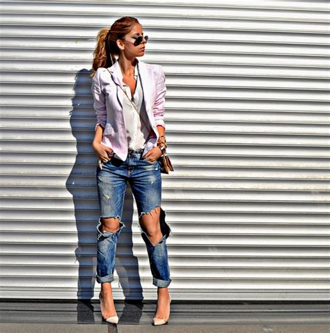 Trendy Outfit Combinations With Distressed Jeans - fashionsy.com