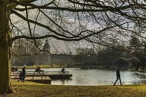 Von Grün Karlsruhe : park von karlsruhe schloss redaktionelles bild bild von grenzstein 86540190 ~ Orissabook.com Haus und Dekorationen