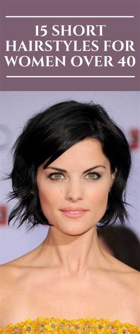 15 Short Hairstyles for Women over 40 #hairstyles #hair #