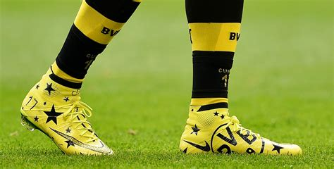 Boot spots: Diamond-encrusted boots for Aubameyang