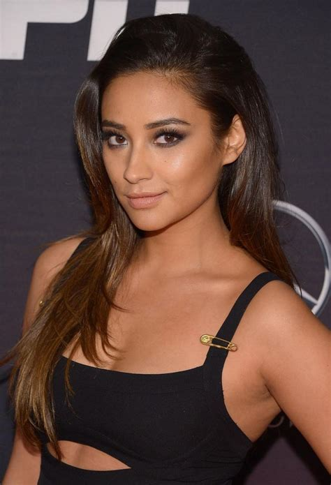 Shay Mitchell Nude And Topless Exclusive Pics New Leak