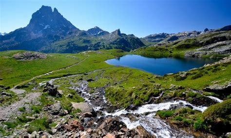 port des pyrenees en 3 lettres pyr 233 n 233 es atlantiques guide touristique petit fut 233