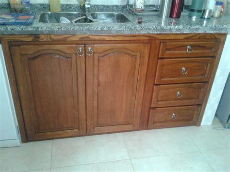 frente de mueble de cocina en madera maciza rustico