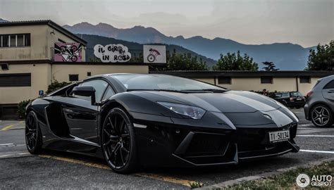 lamborghini aventador lp700 4 roadster 3 april 2016 autogespot lamborghini aventador lp700 4 roadster 16 april 2016 autogespot