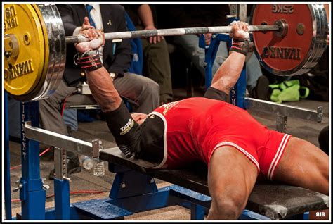 How To Powerlifting  The Bench Presszelsh