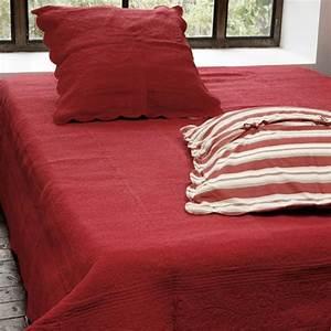 Parure De Lit Rouge : parure de lit boutis josie rouge 230x250 linge de maison ~ Teatrodelosmanantiales.com Idées de Décoration