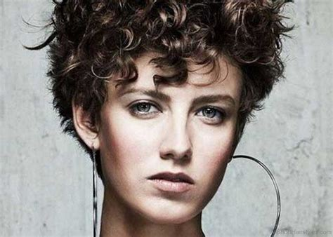 cool short curly hairstyles  women
