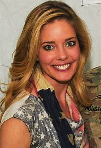 Christina Moore - Wikipedia