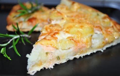 les recettes de la cuisine de asmaa pizza au saumon fumé et pomme de terre les recettes de