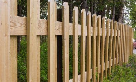 wood  vinyl fence pros cons comparisons  costs