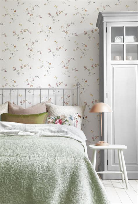 wallpaper decorating ideas  bedroom town country