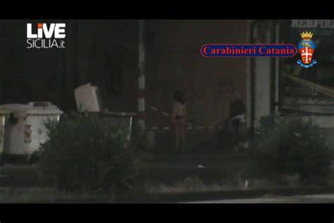ufficio immigrazione catania prostituzione controlli a tappeto fermate 25 straniere