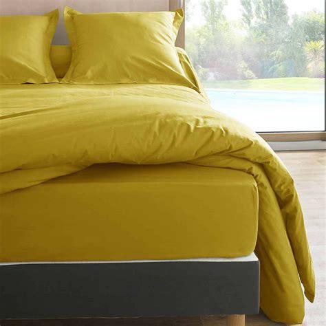 canapé imprimé chambre jaune moutarde
