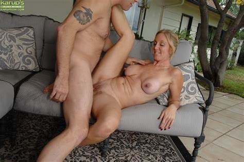 Enchanting Older Getting On Her Knees And Gives Licking