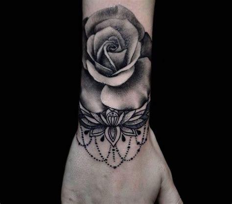 Tatouage Fleur De Cerisier Noir Et Blanc Tattoo Art
