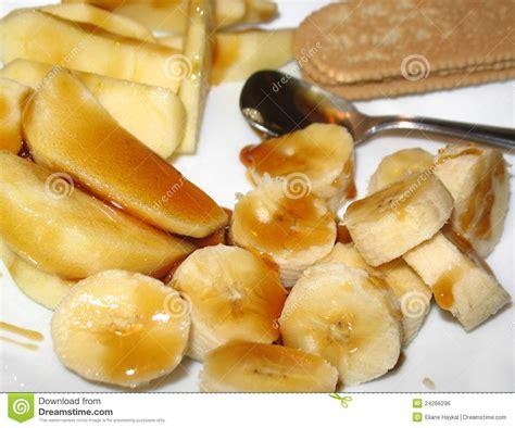 dessert avec du miel banane et apple avec le dessert de miel image libre de
