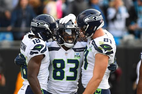 panthers  seahawks   plays  love  plays  hate