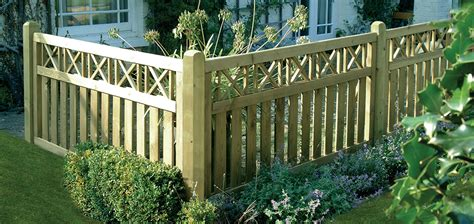 Small Trellis Fence by Top Tips For Small Garden Fencing Challenge Fencing