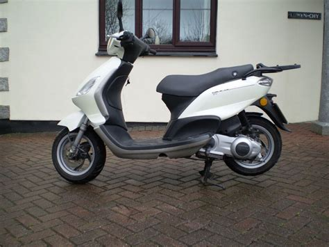 piaggio fly 125 piaggio fly 125 scooter 2011 in st austell cornwall