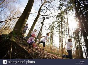 Berg Des Garten : entlang des seeufers leoni spielende kinder schloss garten leoni berg starnberger see ~ Indierocktalk.com Haus und Dekorationen