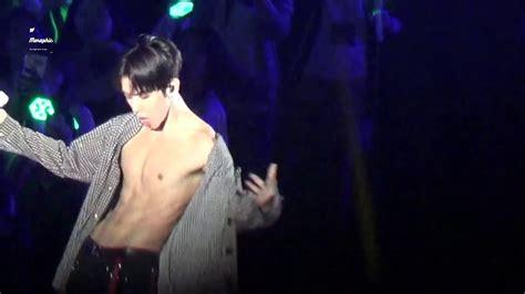 baekhyun exo abs shirtless youtube