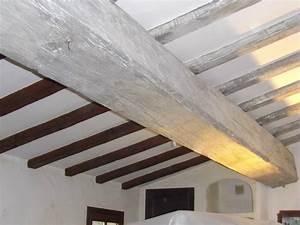peinture poutre bois peinture poutres effet bois blanchi With peinture poutre bois plafond