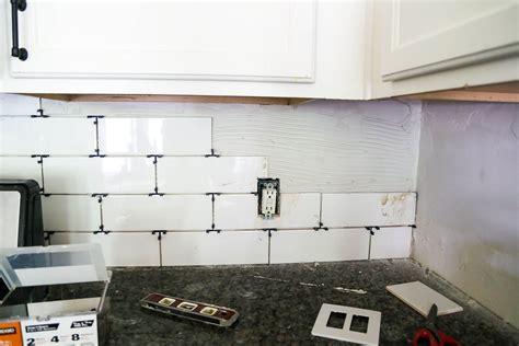 How To Install A Subway Tile Backsplash Tips Tricks