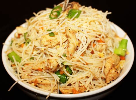 chicken noodles chicken noodles chinese chicken noodles recipe restaurant style indian youtube