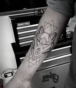 Tatouage Loup Celtique : tatouage loup homme signification ~ Farleysfitness.com Idées de Décoration