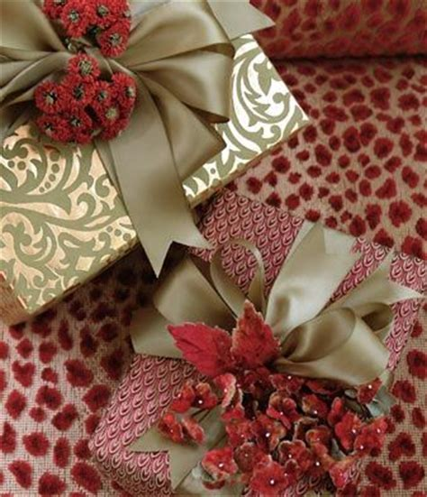 beautiful christmas wrap carolyne roehm gifts wrapped with beautiful paper satin ribbon dried or silk flowers gift