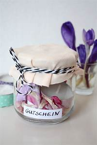 Gutschein Geschenke Verpacken : gift wrapping 3 ideen um gutscheine zu verpacken rosy grey diy blog lettering m nchen ~ Watch28wear.com Haus und Dekorationen