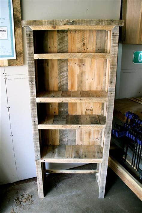 diy rustic pallet bookshelf pallet furniture plans