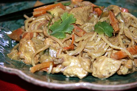 poulet au curry lait de coco et nouilles saut 233 es la cuisine de jackie