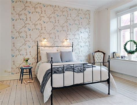 Decorating The Solo Wall Of The Bedroom  Interior Design
